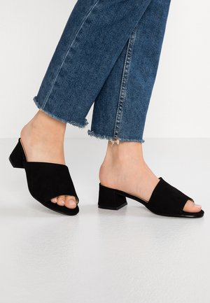 WIDE FIT MELINDA LOW MULE - Mules - black