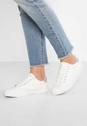 WIDE FIT ELLIS LACE UP - Sneakersy niskie - white