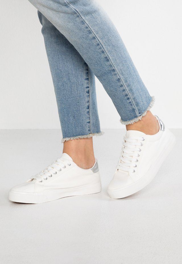 WIDE FIT ELLIS LACE UP - Sneakers laag - white