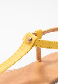 Simply Be - WIDE FIT VALERIE BASIC TOEPOST - T-bar sandals - yellow - 2