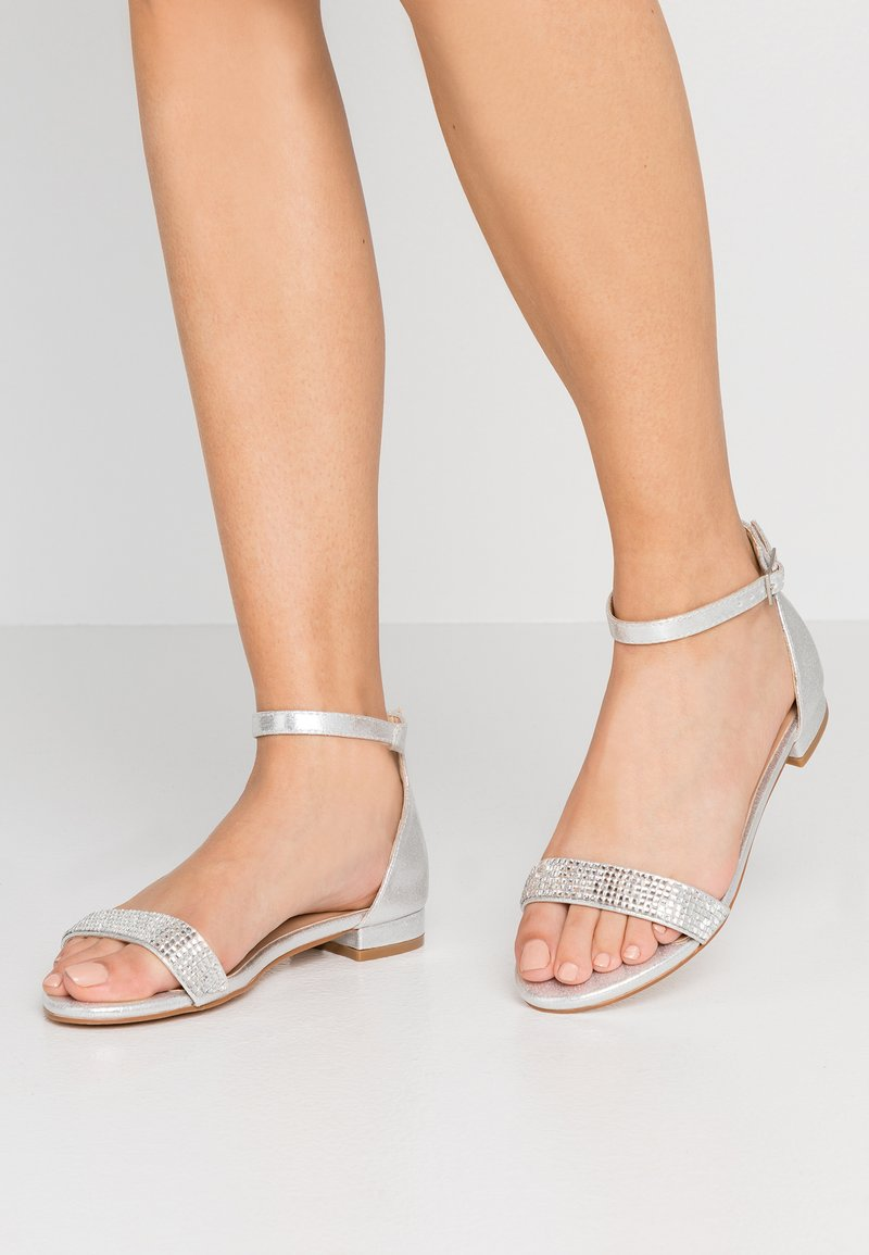 Simply Be - WIDE FIT RUBY LOW HEEL ANKLE STRAP - Sandalias - silver