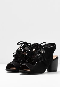 Simply Be - WIDE FIT EVELYN BLOCK HEEL LACE UP SHOE - Riemensandalette - black - 4