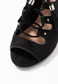 Simply Be - WIDE FIT EVELYN BLOCK HEEL LACE UP SHOE - Riemensandalette - black - 2