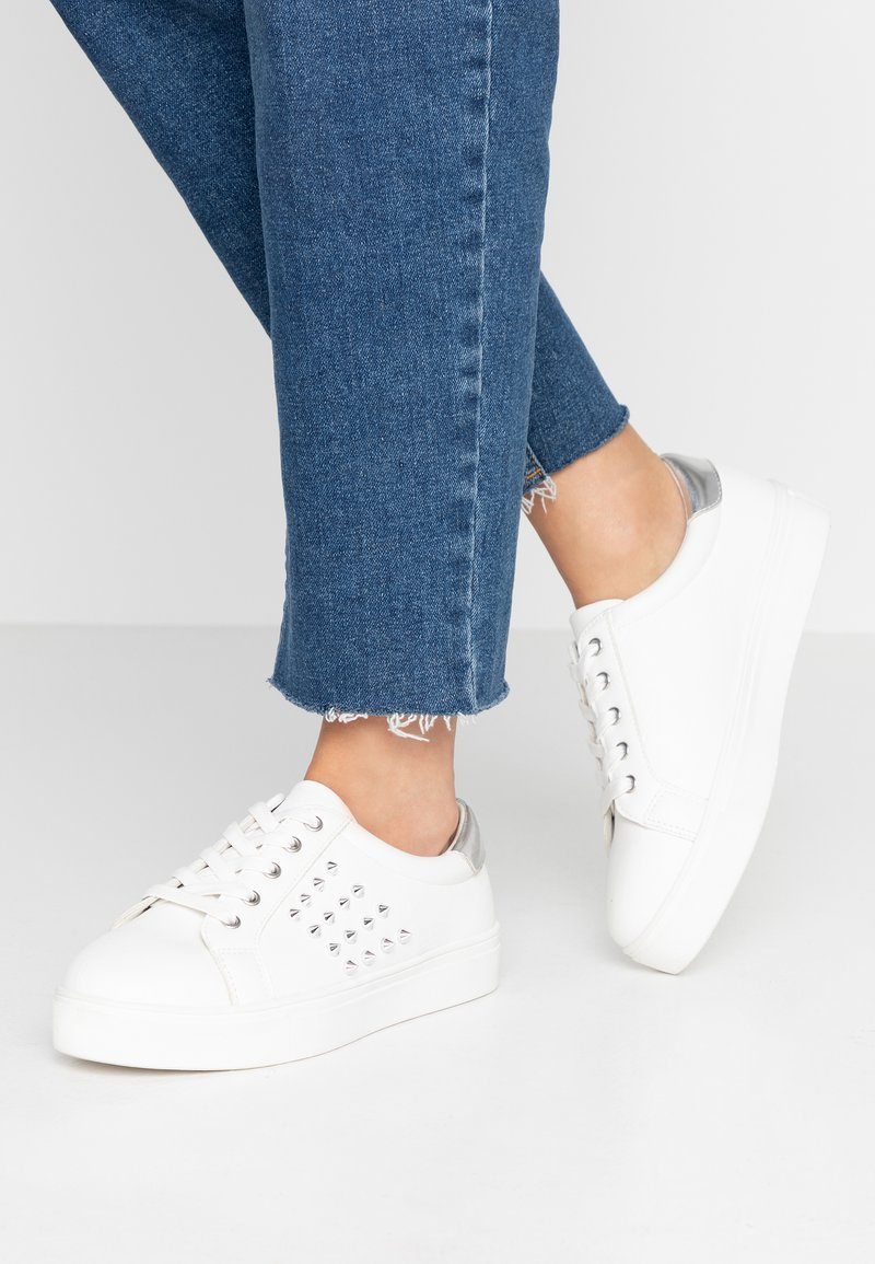 Simply Be - WIDE FIT FASHION TRAINER - Sneakers basse - white