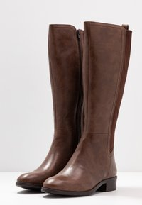 Simply Be - WIDE FIT DIXIE STRETCH BACK KNEE HIGH BOOT - Boots - brown - 4