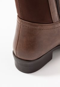 Simply Be - WIDE FIT DIXIE STRETCH BACK KNEE HIGH BOOT - Boots - brown - 2