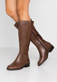 Simply Be - WIDE FIT DIXIE STRETCH BACK KNEE HIGH BOOT - Boots - brown - 0