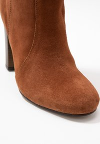 Simply Be - WIDE FIT LANI BLOCK KNEE HIGH BOOTS - High heeled boots - tan - 2