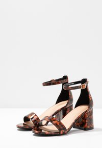 Simply Be - WIDE FIT CAMMY - Sandály - brown - 4