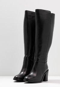 Simply Be - WIDE FIT MICHELLE KNEE HIGH BLOCK HEEL BOOT - Laarzen - black - 4