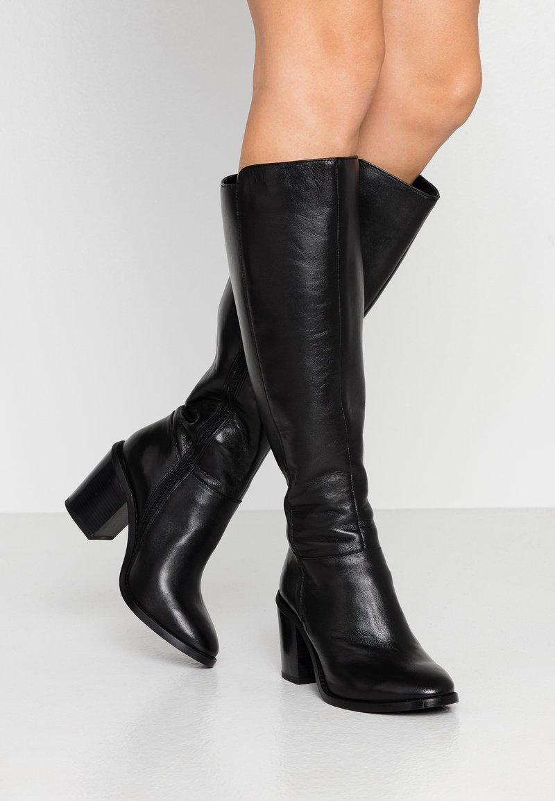 Simply Be - WIDE FIT MICHELLE KNEE HIGH BLOCK HEEL BOOT - Laarzen - black
