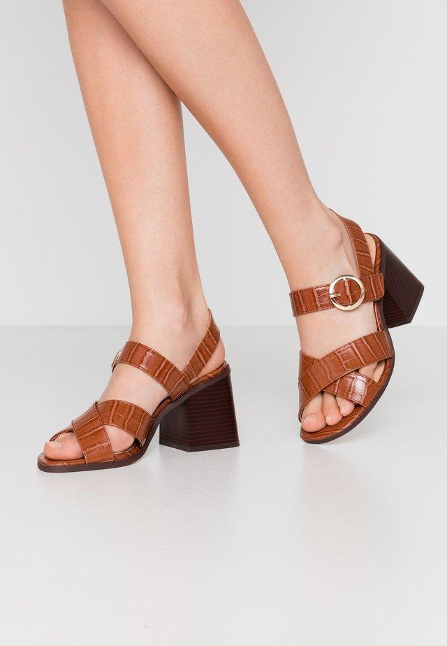 WIDE FIT ALASKA - Sandals - tan
