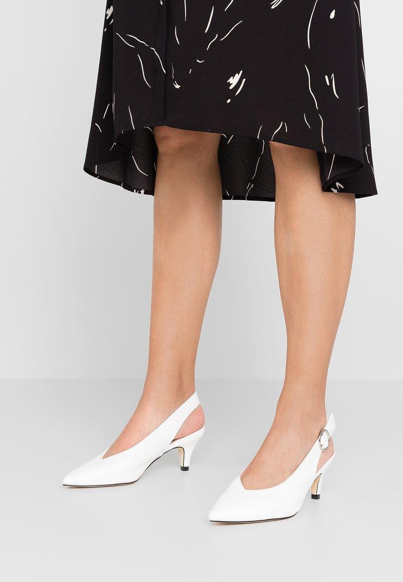 Simply Be - WIDE FIT TILDA SLINGBACK KITTEN HEEL - Classic heels - white
