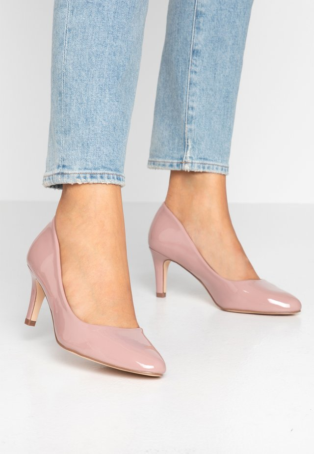 WIDE FIT BASIC COURT - Avokkaat - nude pink