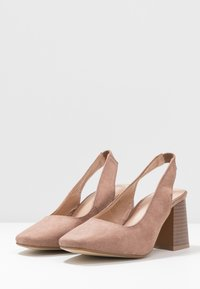 Simply Be - WIDE FIT LEXIS BLOCK HEEL SQUARE TOE SLINGBACK - Classic heels - taupe - 4