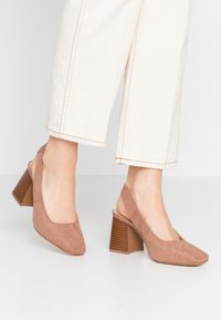 Simply Be - WIDE FIT LEXIS BLOCK HEEL SQUARE TOE SLINGBACK - Classic heels - taupe - 0