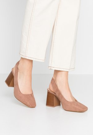 WIDE FIT LEXIS BLOCK HEEL SQUARE TOE SLINGBACK - Classic heels - taupe