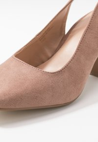 Simply Be - WIDE FIT LEXIS BLOCK HEEL SQUARE TOE SLINGBACK - Classic heels - taupe - 2