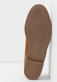 Simply Be - WIDE FIT JESSICA - Loaferit/pistokkaat - tan - 6