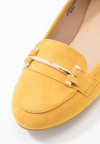 Simply Be - WIDE FIT TYCHE - Scarpe senza lacci - yellow - 2