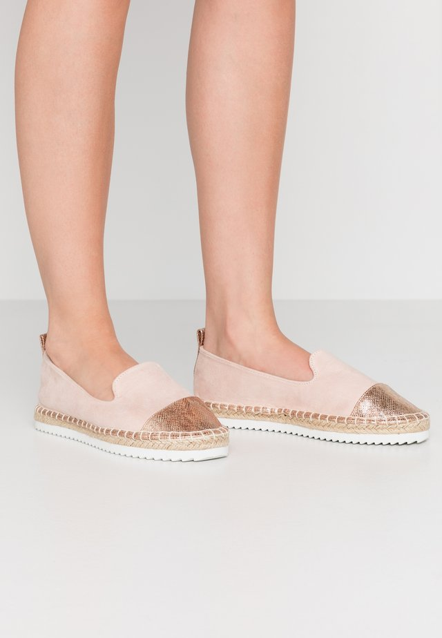WIDE FIT MINNIE - Espadrillot - nude/rose gold