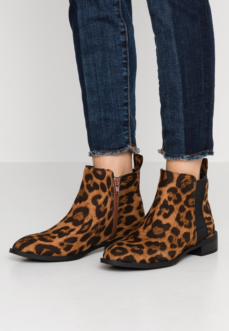 Simply Be - WIDE FIT BASIC CHELSEA BOOT - Botines - brown