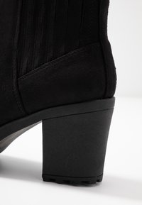 Simply Be - WIDE FIT CHUNKY HEEL CHELSEA - Korte laarzen - black - 2