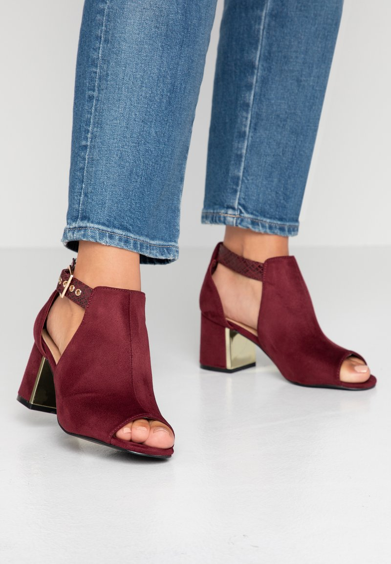 Simply Be - WIDE FIT DETAIL SHOE - Sandalias tobilleras - burgundy