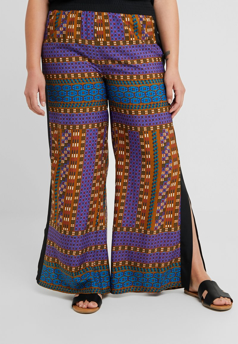 Simply Be - SPLIT TROUSERS AFRIKA - Stoffhose - black/tan
