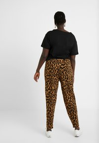 Simply Be - LEOPARD PRINT HAREM TROUSER - Trousers - brown - 2