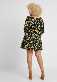Simply Be - SQUARE NECK TEA DRESS - Skjortekjole - black/yellow - 2