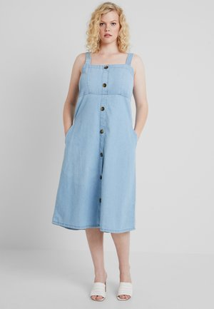 BUTTON FRONT SHIRRED BACK SQUARE NECK DRESS - Dongerikjole - mid blue