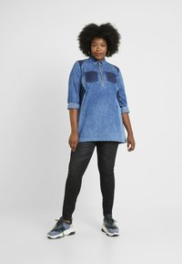 Simply Be - ILLUSION PANELL PATCHWORK ZIP FRONT - Tunique - blue wash - 1