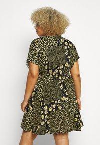 Simply Be - BUTTON THROUGH TEA DRESS - Hverdagskjoler - multi-coloured - 2