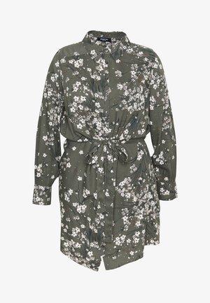 SHIRT DRESS - Košilové šaty - khaki/ivory