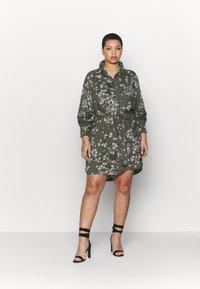 Simply Be - SHIRT DRESS - Skjortekjole - khaki/ivory - 1