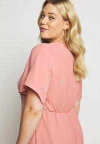 Simply Be - HERRINGBONE DRESS - Košilové šaty - dusky pink - 4