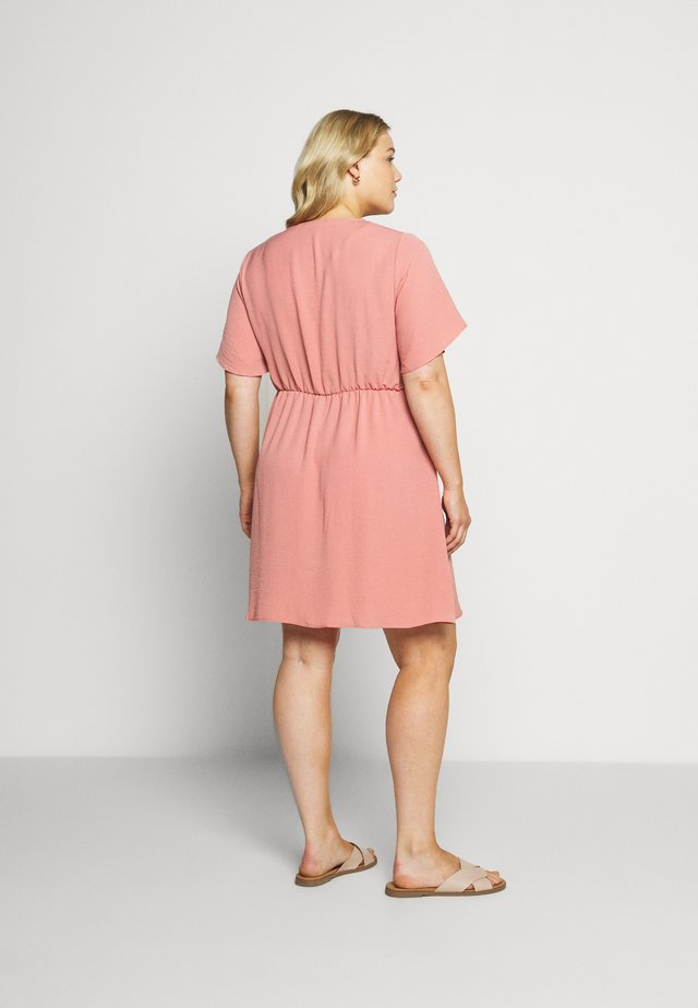 HERRINGBONE DRESS - Skjortklänning - dusky pink