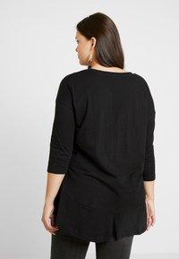 Simply Be - FRILL HEM 3/4 SLEEVE - T-shirts med print - black - 2