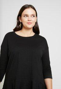 Simply Be - FRILL HEM 3/4 SLEEVE - T-shirts med print - black - 3