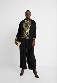 Simply Be - HIGH NECK EMBOSSED LEOPARD - Blouse - black/gold - 1