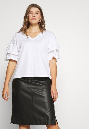 OVERSIZED FRILL SLEEVE - Basic T-shirt - white