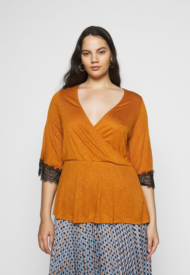 TRIM WRAP - Long sleeved top - fudge