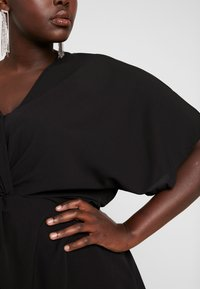Simply Be - TWIST FRONT TOP - Blouse - black - 4