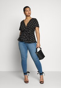 Simply Be - TWIST FRONT V NECK  - Blouse - black - 1