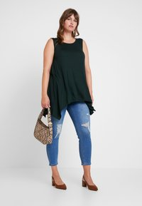 Simply Be - HIGH WAIST RIPPED - Jeans Skinny - mid blue - 1