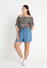 CAPSULE by Simply Be - PULL ON SHIRRED WAIST - Shorts - mid blue - 1