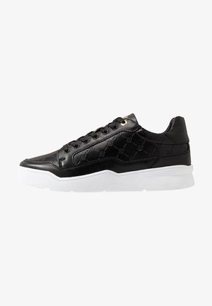 PURSUIT MONOGRAM - Trainers - black