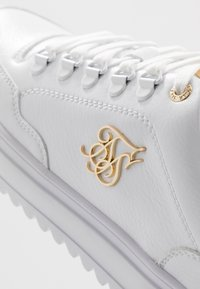 SIKSILK - GRAVITY - Sneakers laag - white - 5