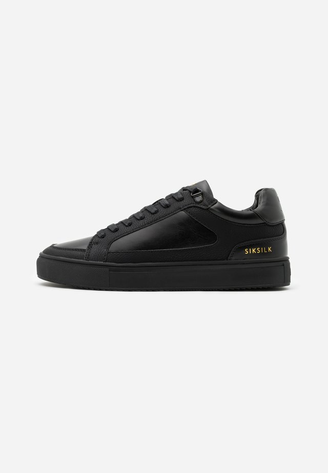 GHOST - Sneaker low - black